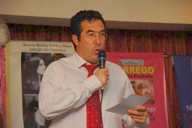 Marcelo Gullo Recibiendo el Premio Ohesterheld 2008 al mejor libro del anio