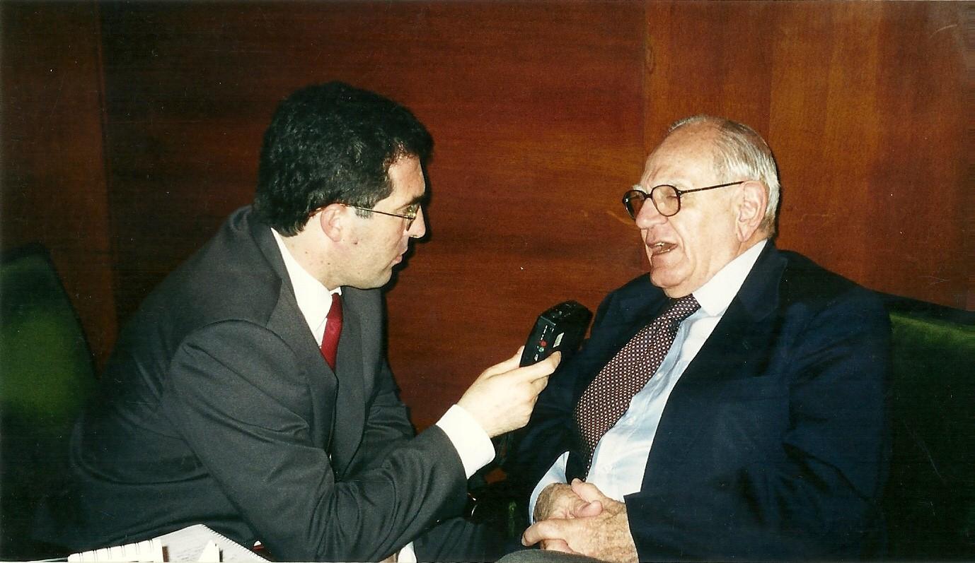 Marcelo Gullo entrevistando a Helio Jaguaribe
