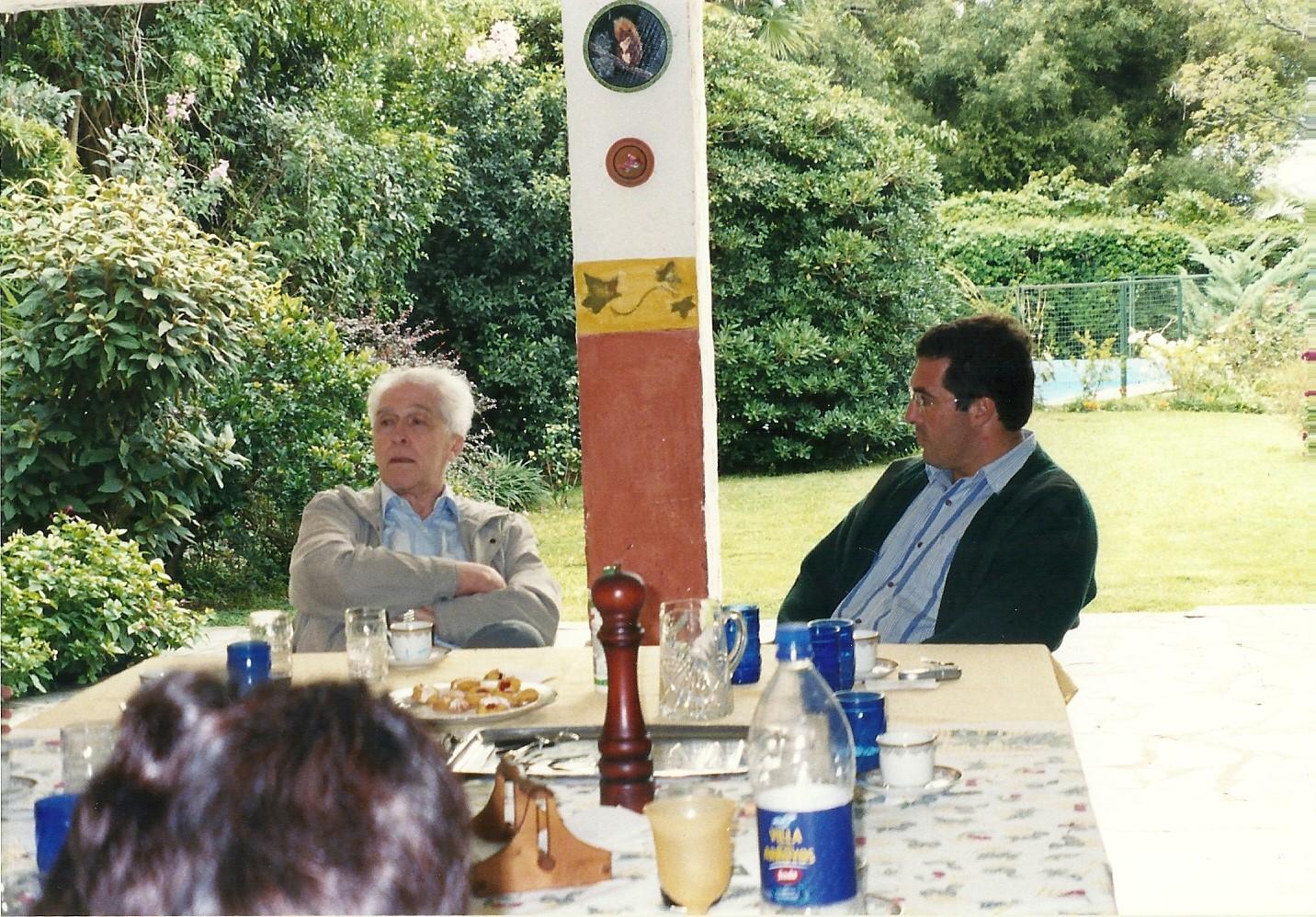 historiador Luiz Alberto Moniz Bandeira compatiendo un almuerzo junto a Marcelo Gullo