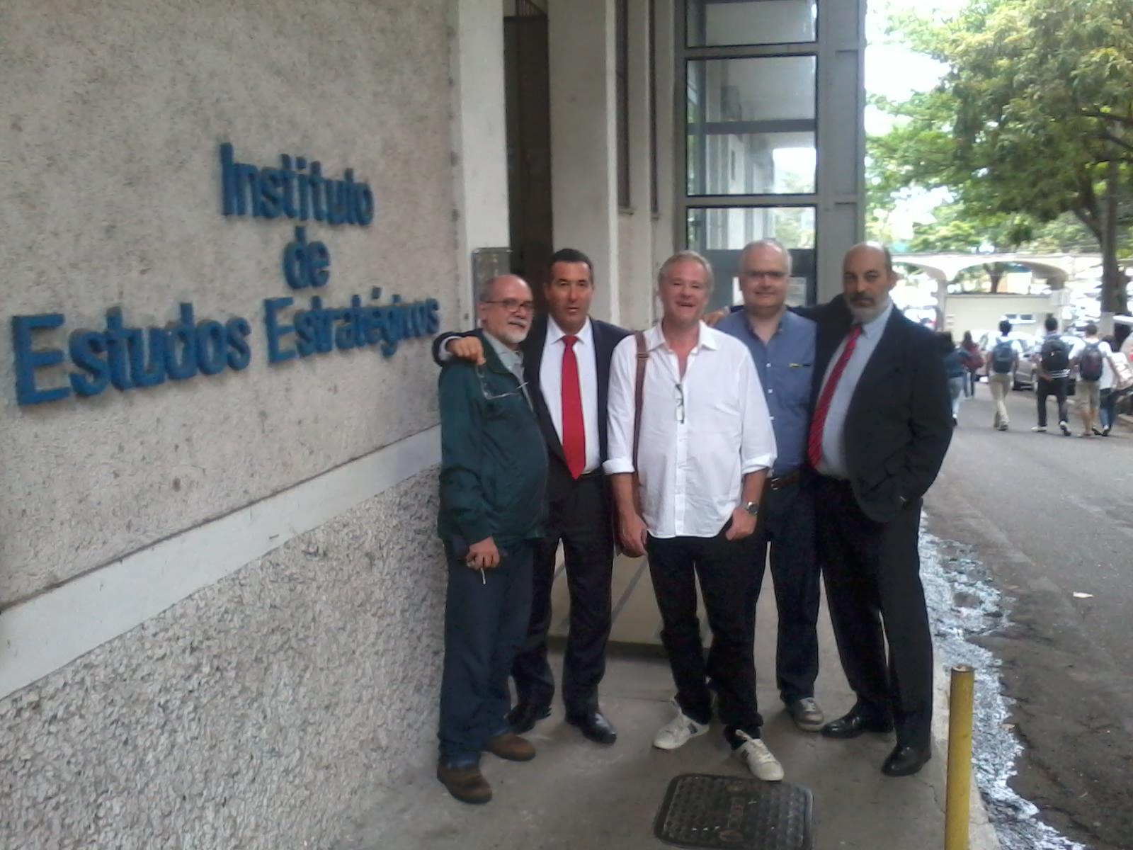 En el Instituto de Estudos Estratégicos 2014-10-22